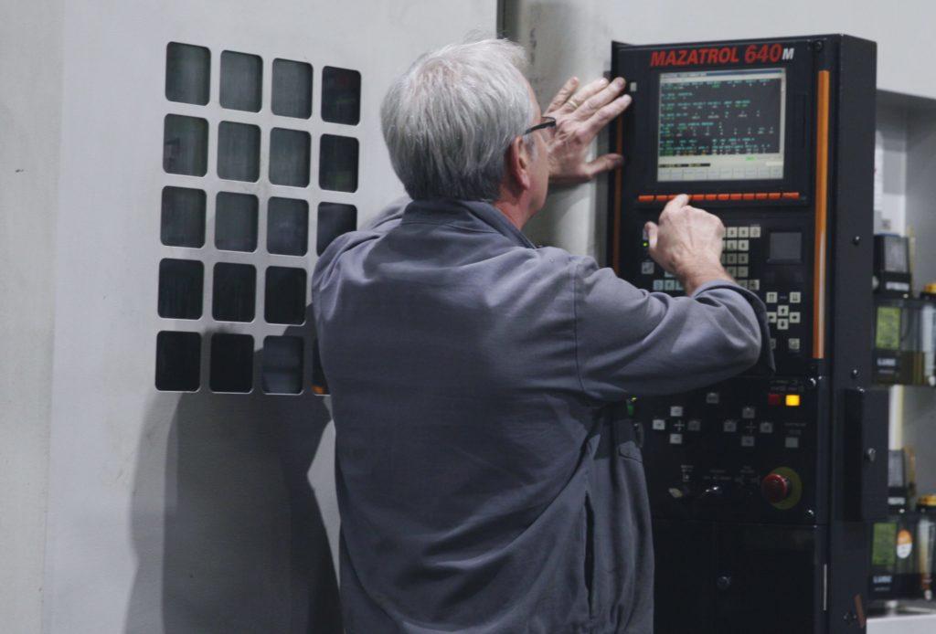 Machine tour vertical NUMAC